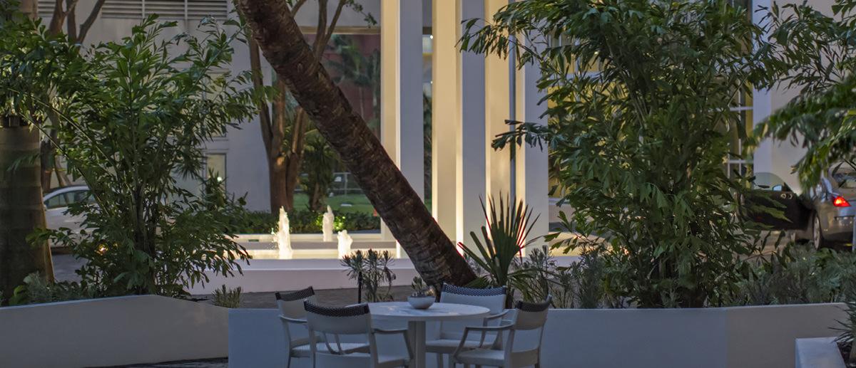 Paramount Bay Miami Plaza view