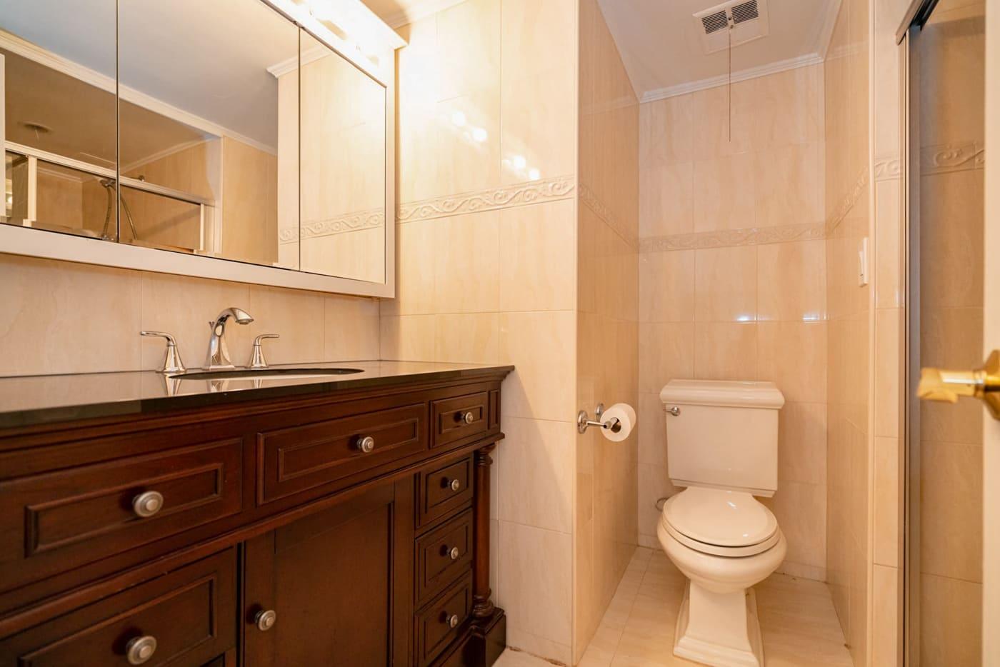 Master Bath Casa Del Rey 306A